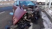 Ardahan'da İki Otomobil Çarpıştı Açıklaması 4 Yaralı