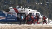 KURTARMA EKİBİ - Kayıp Dağcıları Aramak İçin 40 Kişilik Özel Tim Helikopterle Bölgeye Sevk Edildi