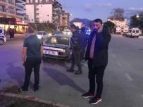 Kazada LPG Tankı Yerinden Çıkan Otomobile Elinde Sigarayla Müdahale Etti