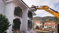 KAÇAK YAPI - Marmaris'te Kaçak 2 Yapının Yıkımı Tamamlandı