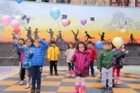 Minikler, Dilek Diledi Gökyüzüne Balon Bıraktı