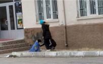 CEMİL ÇİÇEK - Yozgat'ta Öğrencilerden Örnek Davranış