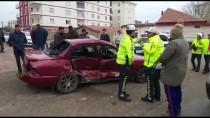 ALPARSLAN TÜRKEŞ - Aksaray'da Otomobil İle Minibüs Çarpıştı Açıklaması 5 Yaralı