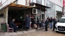 Antalya'da Eski Ses Sanatçısı Kıraathanede Kalp Krizi Sonucu Öldü
