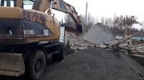 KAÇAK YAPI - Bingöl'de Kaçak Yapı Ve Metruk Bina Yıkımı