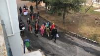 POLİS KÖPEĞİ - Çevik Kuvvet Personelini Duygulandıran Ziyaret