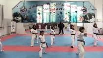 EĞİTİM HAYATI - Gazze'nin Karateci Kızları Filistin'i Uluslararası Müsabakalarda Temsil Etmenin Hayalini Kuruyor