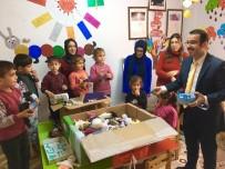 Öğrenciler, Oyuncak Yaptı Köy Okulundaki Çocuklara Gönderdi