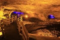 MADEN OCAĞI - Paleozoik Döneme Ait Sulu Mağara Turistleri Ağırlıyor