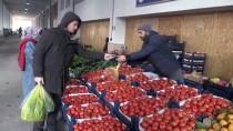 Yozgat'ta Pazarcılar Tezgahlarını 40 Yıldır Toplu Duayla Açıyor