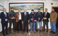 BİLEK GÜREŞİ - Başkan Pekmezci Şampiyonları Ödüllendirdi