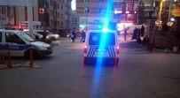 Esenyurt'ta Kurusıkı Tabancayla Tehdit Ederek Telefon Gasp Ettiler