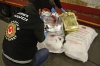 ŞÜPHELİ ARAÇ - Kapıkule'de Bir Tır Dolusu Kaçak Çay Ele Geçirildi