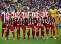 SARı KART - Sivasspor'da 4 futbolcu sınırda!