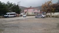 Sivrihisar'da Jandarma Trafik Timi Okul Önünde Servis Şoförleri Denetledi