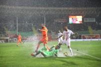 CEYHUN GÜLSELAM - Antalya Derbisinde Yağmur Var, Kazanan Yok