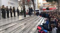 İZMIR MARŞı - Askeri Bandodan Öğrencilere Sürpriz Konser