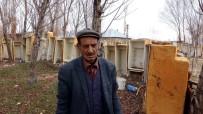 BUZDOLABı - Atık Buzdolabı Kasalarını Duvara Dönüştürdü