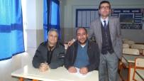 Burhaniye'de Kebap Ustası 45 Yaşında Okuma Yazma Öğrendi