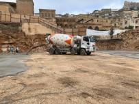 Cumhuriyet Meydanı'na İlk Beton Döküldü