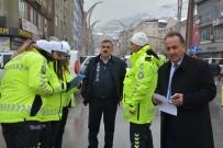 YAYA GEÇİDİ - Hakkari'de 'Öncelikli Yaya Trafik' Uygulaması