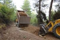 DEREKÖY - Kaş'ta Kırsal Mahallelerde Yol Çalışmaları