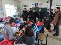 Bingöl'de 130 Öğrenciye Bot Ve Mont Hediye Edildi