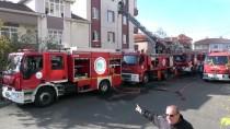 FAHRİ KORUTÜRK - Çorlu'da Apartmanın Çatısında Çıkan Yangın Hasara Neden Oldu