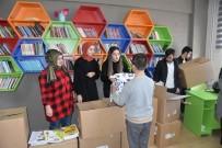 KOCAELI ÜNIVERSITESI - 'Dost Eller' Projesi Hakkaniyeli Çocukların Yüzünü Güldürdü