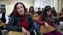 ERDAL ERZINCAN - Görme Engelli Kızıyla Bağlamanın Tellerine Dokunuyor