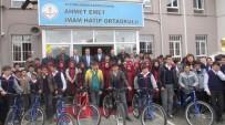 Hafızlığı Bitiren Öğrencilere Bisiklet Hediye Edildi