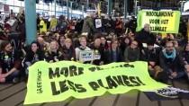 AMSTERDAM - Hollanda'da İklim Protestocuları Havaalanını İşgal Etti