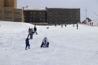 HAFTA SONU TATİLİ - Kartalkaya'da Kayak Sezonu Açıldı