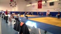 SÜMERLER - Kuşak Güreşi Gençler Ve Büyükler Türkiye Şampiyonası, Antalya'da Başladı