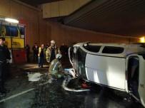 TOPKAPı - Zeytinburnu'nda Otomobil Bariyerleri Parçalayıp Alt Geçide Uçtu Açıklaması 1 Yaralı