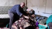 Böbrek Hastası Evlattan Meme Kanseri Yatalak Anneye Şefkat Eli