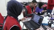 Türk Kızılayı Gönüllüleri AA'nın 'Yılın Fotoğrafları' Oylamasına Katıldı