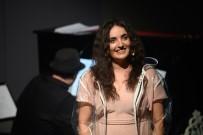 HOLLYWOOD - Ünlü Türk Sanatçıdan ABD'de Yabancı Dilde Müzikal