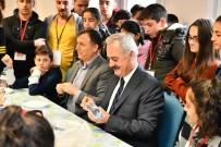 ZİHİNSEL ENGELLİLER - Vali Seymenoğlu, Misafir Öğrencilerle Şehitlerin İsmi Yazan Kuş Yemliği Yaptı