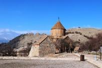 KELEBEKLER VADİSİ - Akdamar Adası'na Bungalov Ve Çadır Kurulması Kararı Turizmcileri Sevindirdi