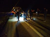 YUNUSLAR - Gediz'de Otomobil At Arabasına Çarptı Açıklaması 1 Ölü