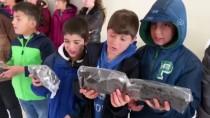 Gurbetçi Futbolcu Mardinli Çocukların Yüzünü Güldürdü