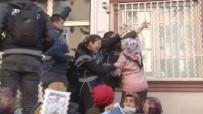 MUSA FARISOĞULLARı - HDP'li Vekiller Binaya Geldi, Tansiyon Yükseldi