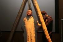 MUSTAFA ARı - 'İdamlık Genç' Tiyatro Gösterisi Beğeni Topladı