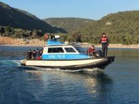 YAĞCıLAR - İzmir'de 28'İ Çocuk 60 Düzensiz Göçmen Yakalandı