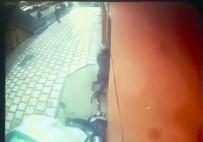 TAZİYE MESAJI - Otomobil Açıköğretim Ofisine Daldı Açıklaması 1 Ölü, 2 Yaralı