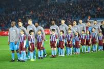 KENDİ KALESİNE - Süper Lig Açıklaması Trabzonspor Açıklaması 1 - Yukatel Denizlispor Açıklaması 0 (İlk Yarı)