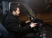 Başkan Sayan, Dolmuşta Hem Şoförlük Yaptı Hem De Halkı Dinledi