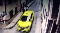 Bursa'da Bebek Arabası Ve Bisiklet Hırsızlığı Güvenlik Kamerasına Yansıdı