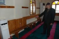 Diyanet'in Kararı İle Camilerde Sabit Oturaklar Kaldırılmaya Başlandı